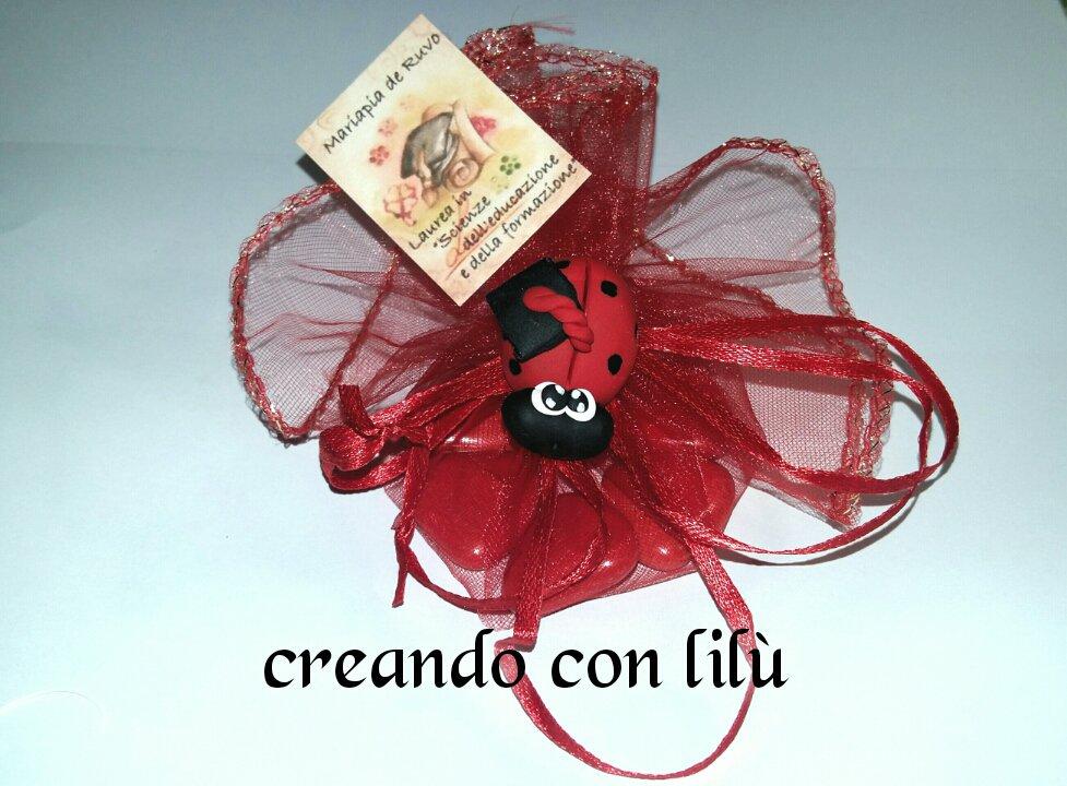 bomboniera confettata laurea coccinella fimo con tocco magnete o ciondolo
