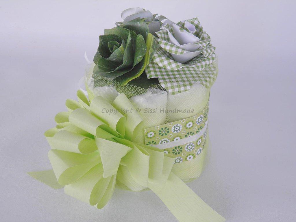 Mini torta di pannolini verde