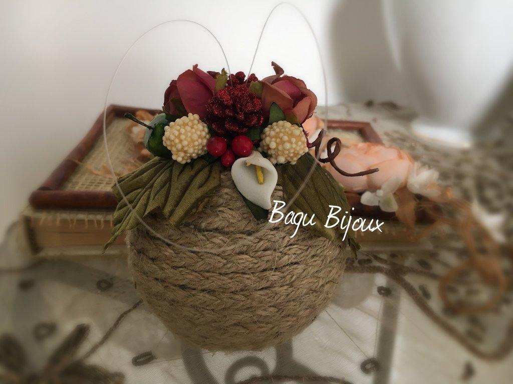 Sfera natalizia in stile romantico