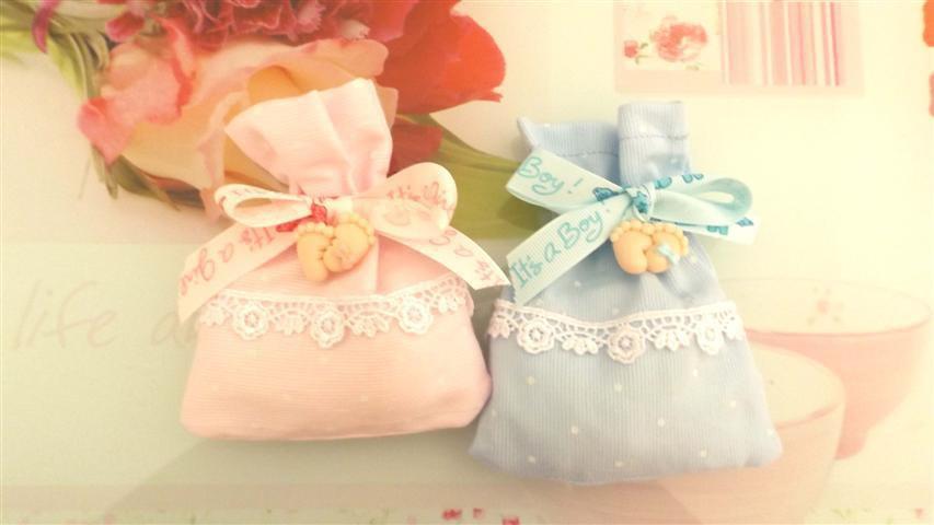 BOMBONIERA COMPLETA DELUXE - Battesimo nascita - fimo - PIEDINI e fiocco- porta confetti con pizzo