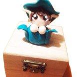 Bomboniera gnomo con scatola in legno personalizzabile