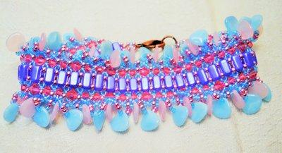 Bracciale a fascia con perline blu e rosa
