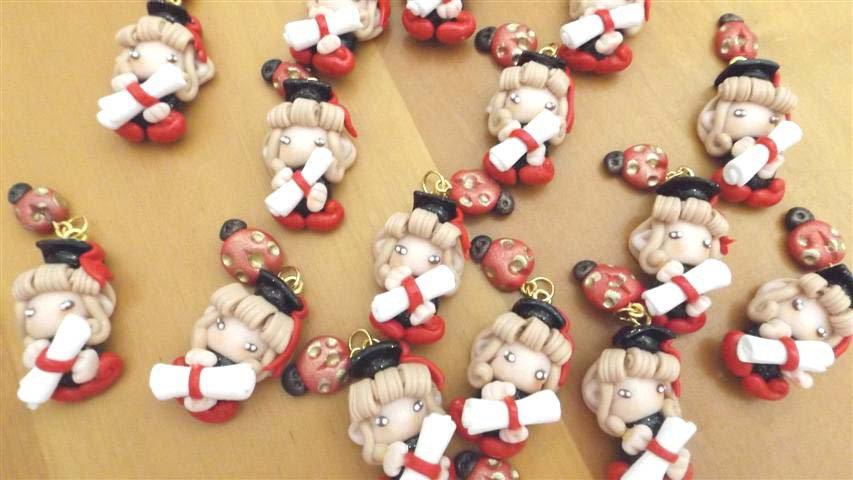 BOMBONIERA PER LAUREA - fimo - FOLLETTA LAUREATA e COCCINELLA  - ciondolo porta confetti scatola confetti