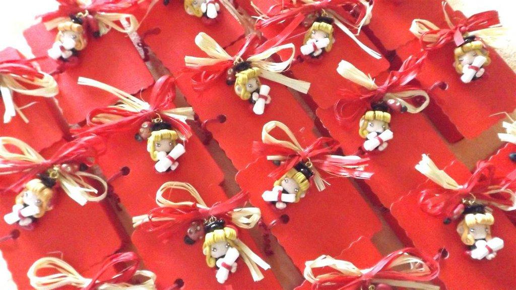 BOMBONIERA COMPLETA con scatolina confetti PER LAUREA   - fimo - FOLLETTA LAUREATA bionda   - porta confetti