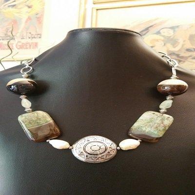 Collana con agate verdi  e perle barocche