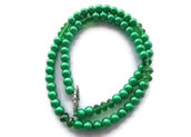 Collana di perle verde brillante, alternate da perline cipollotti verde trasparente, con graziosa chiusura a forma di t, facile da aprire
