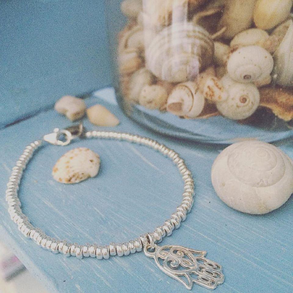 Bracciale con pepite rondelle in argento 925 e ciondolo pendente Hamsa