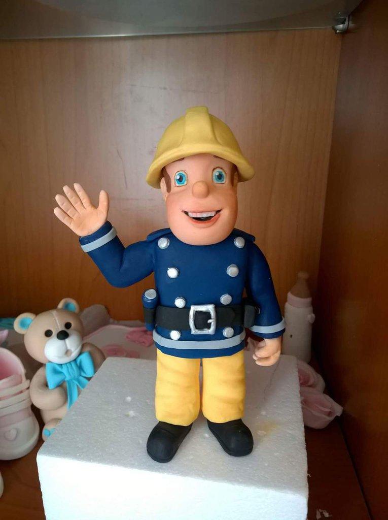 Tom il Pompiere in pasta di zucchero