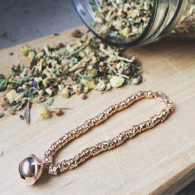 Bracciale pepite martellate con ciondolo pendente Campanello argento 925 Rosé