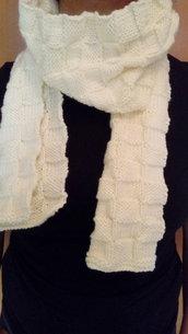 sciarpa di lana fatta a mano