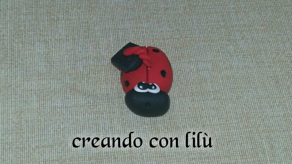 magnete o ciondolo in fimo coccinella laurea cm3