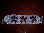 Bracciale argentato con fiori ametista