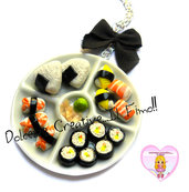 Collana Vassoio sushi - onigiri - nighiri - tamago - ebi nigiri - kappa maki ikura . wasabi - zenzero marinato