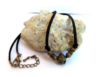 Collana Elmo da gladiatore romano in bronzo con cordino in pelle scamosciata nera