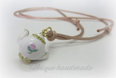Collana con teiera fatta a mano in stile inglese