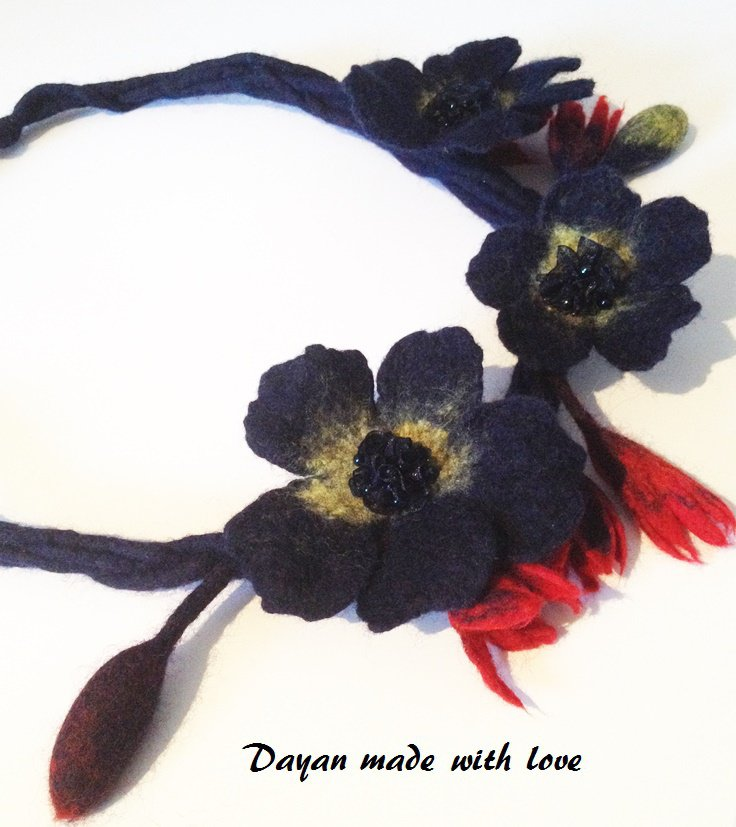 Collana di lana Fiori Blu