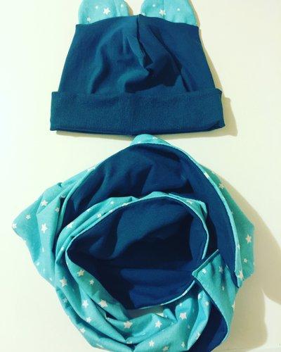 Completino cuffia e sciarpa in felpa di cotone blu carta da zuchero e stelle celesti