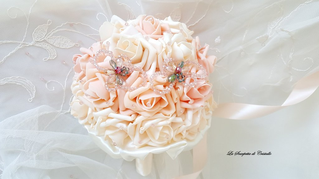 BOUQUET ROSE IN FOAM ROSA