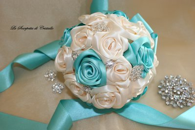 BOUQUET GIOIELLO SPOSA ROSE DI RASO TIFFANY/AVORIO
