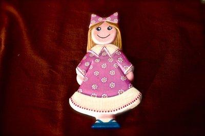 """Scultura """"Bambola con Fiocco Rosa"""""""