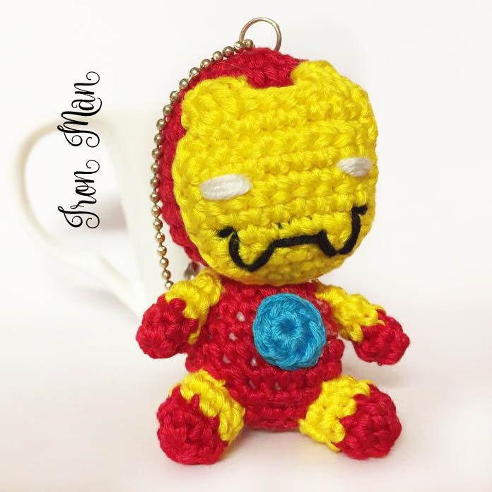 Pupazzetto portachiavi uncinetto amigurumi Iron Man Avengers Tony Stark