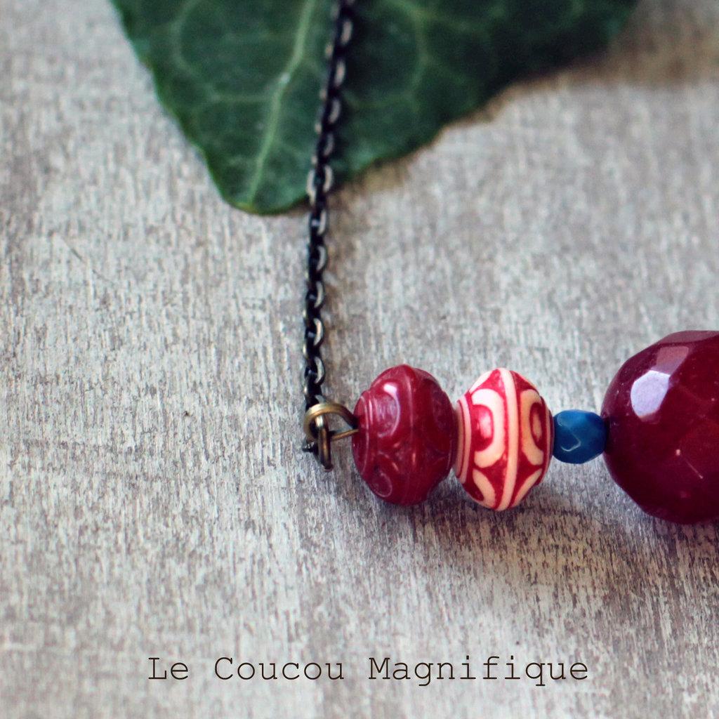 Girocollo in bronzo anticato con perle rosse e blu