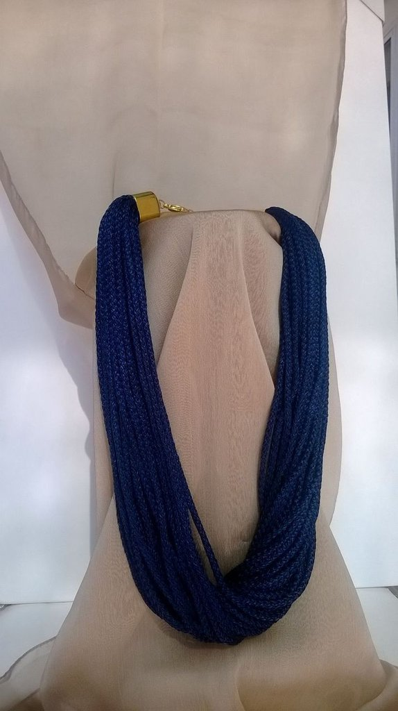 collana blu lucida