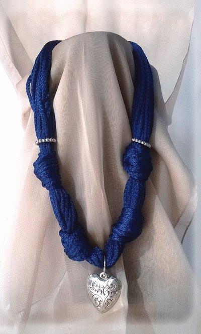 Collana Blu cuore