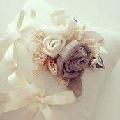 "Cuscino portafedi ""Le Rose"""