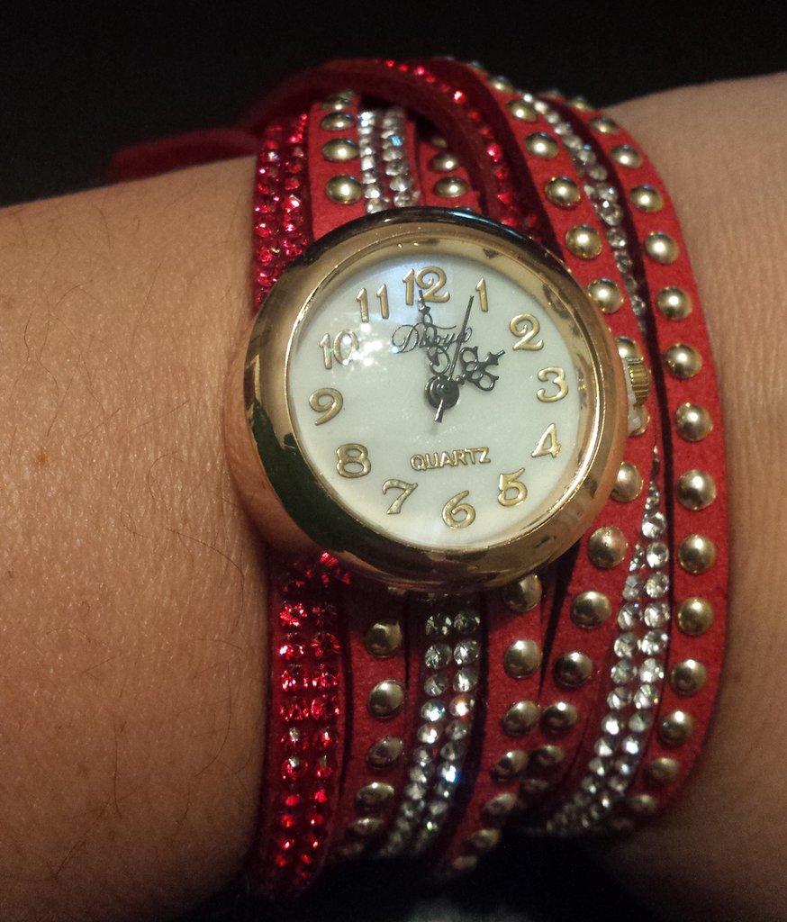 Orologio donna bracciale rosso con strass e borchie