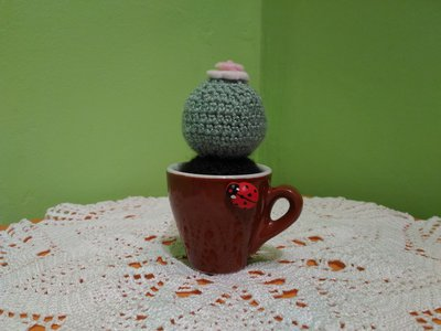 Pianta uncinetto amigurumi in lana