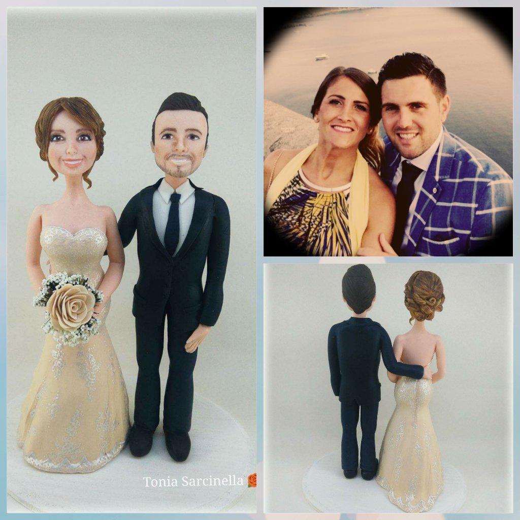 Statue cake topper sposi abito avorio