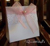 Bomboniera a scatolina con fiocco organza e perlina o strass by Romanticards