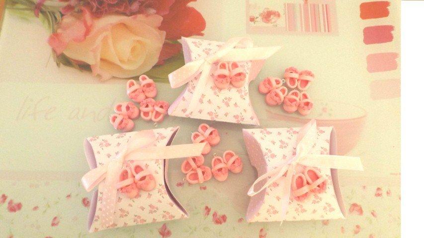 BOMBONIERA COMPLETA con confetti  - Battesimo nascita - fimo - SCARPINE con scatolina SHABBY CHIC - bimba