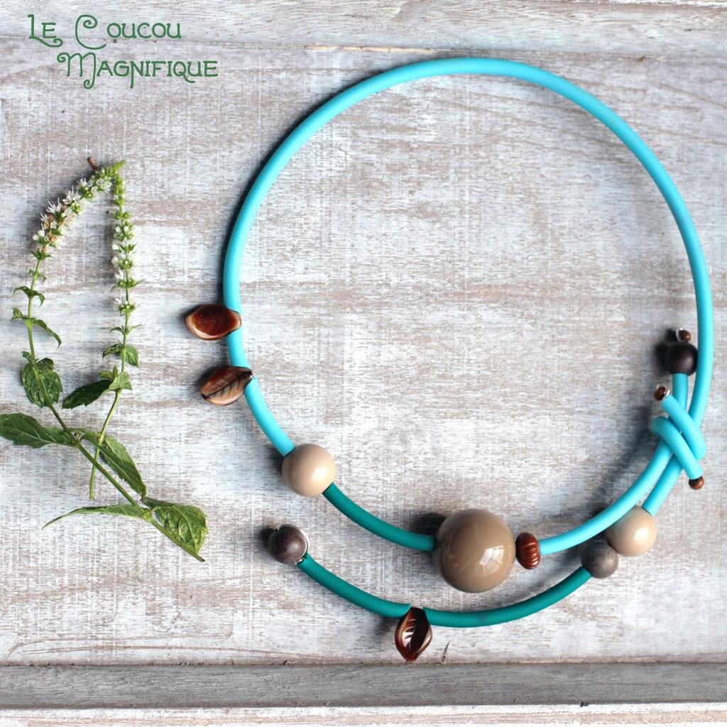 Girocollo Pop turchese con foglioline e perle