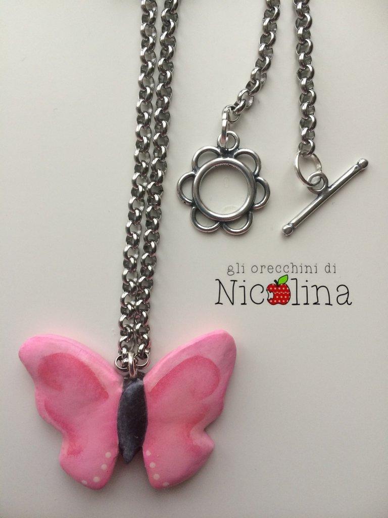 Collana lunga farfalla rosa