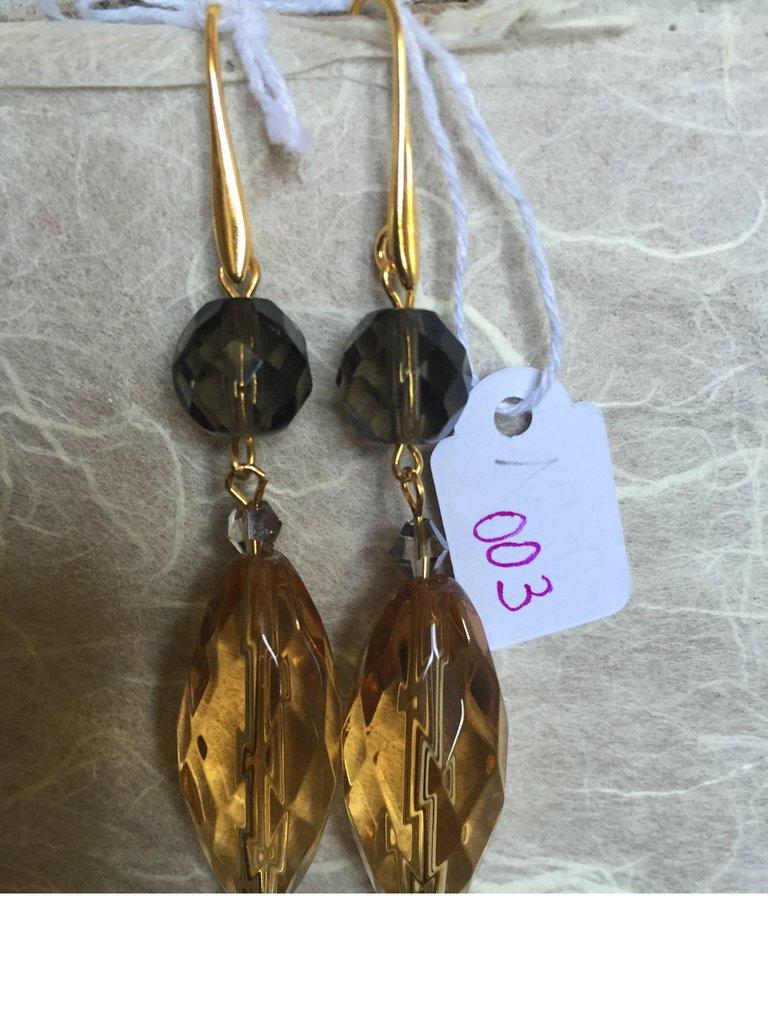 Orecchini con ganci anallergici nichel free, quarzo e ciondoli di cristallo Bohemia.