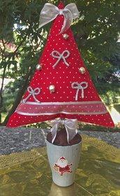 Natale - Albero di feltro rosso con decorazioni argento