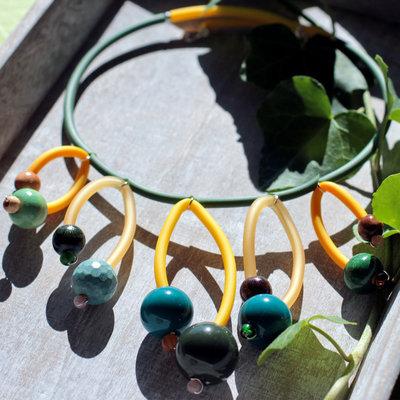 Collana verde con perle multicolore - BANG!