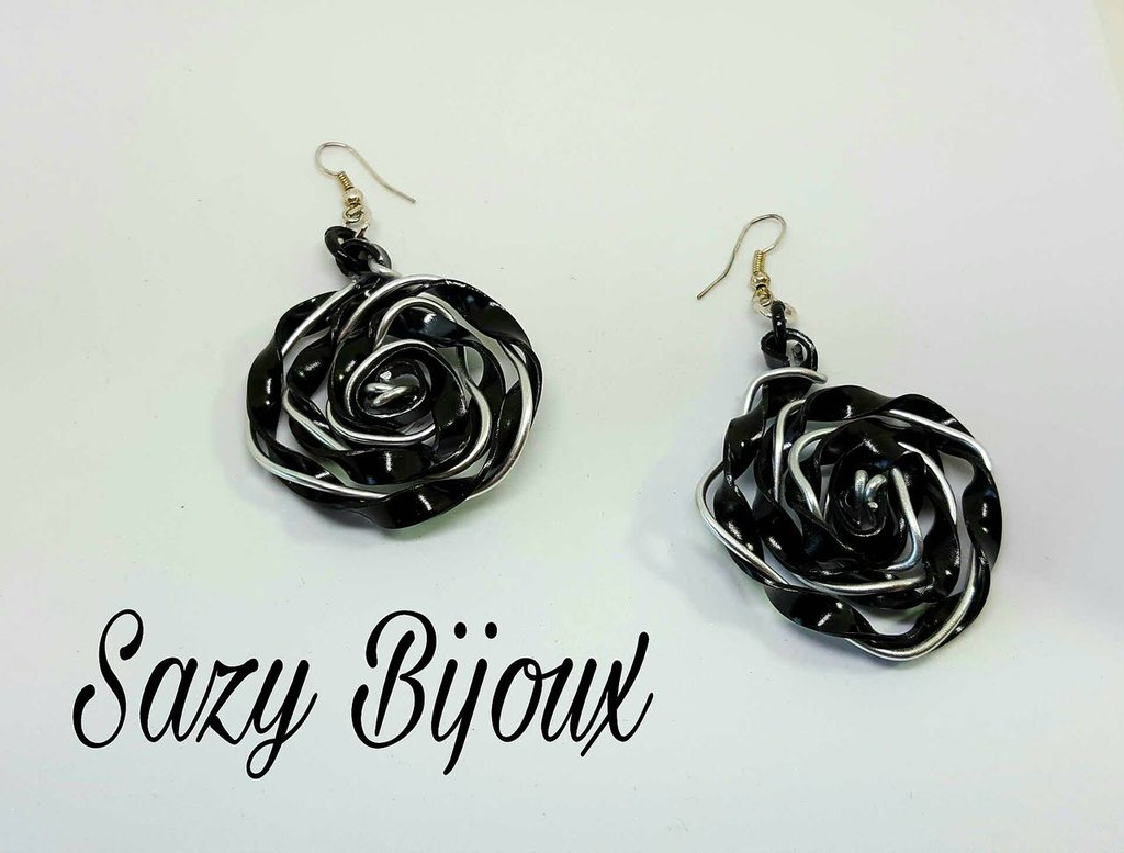 BLACK ROSE: Orecchini a Rosa in Alluminio Nero e Argento