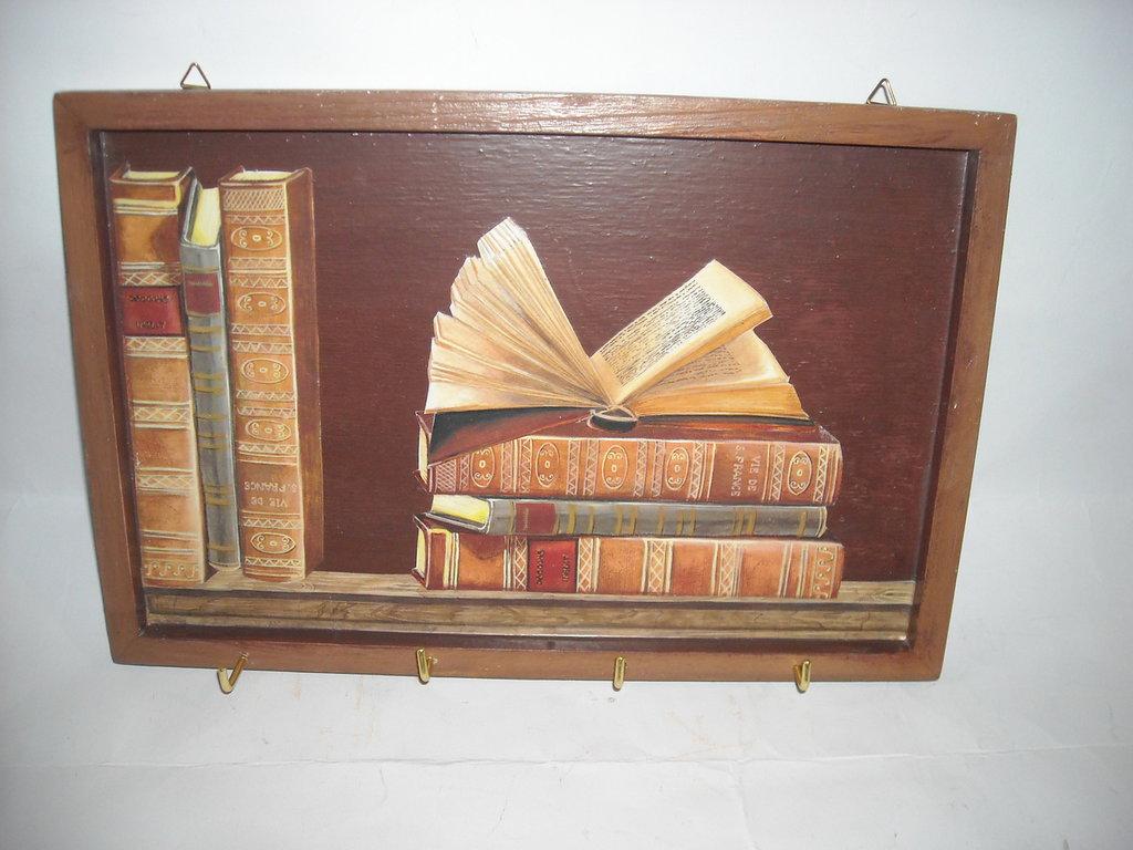 Portachiavi da parete decorato con effetto trompe l'oeil in legno,4 ganci