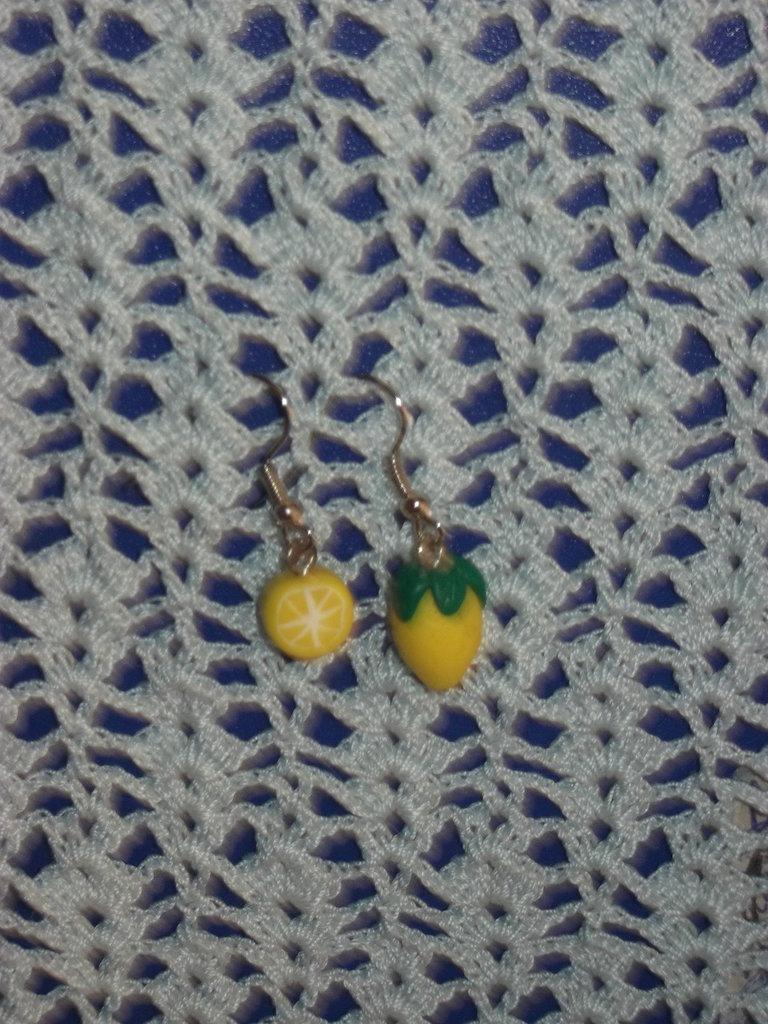 Orecchini in fimo limoni
