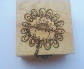 Scatola in legno incisa a fuoco con il pirografo - fiore