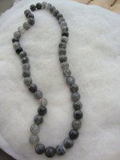 collana in quarzo grigio