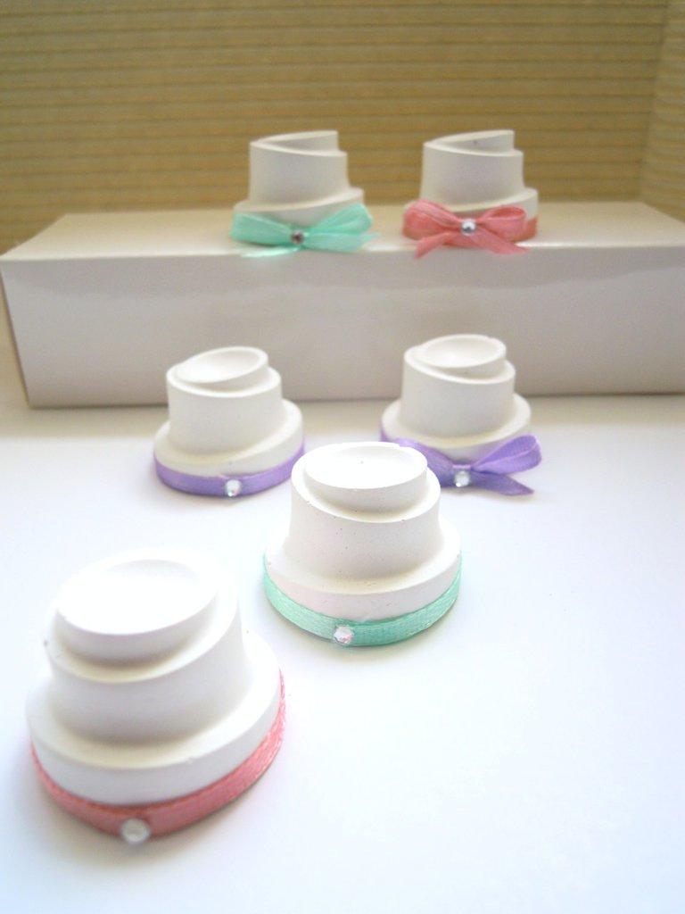 gessetti profumati a forma di mini wedding cake con strassino 2,5 cm