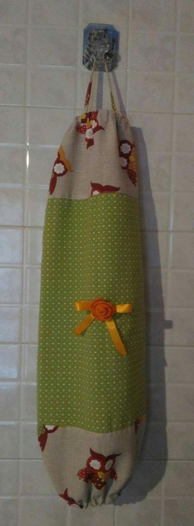 Porta buste o porta sacchetti in stoffa per la casa e per te c su misshobby - Porta sacchetti ...
