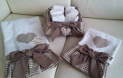 Coppia asciugamano 1+1  Con fiocco e cuoricino centrale Fodera x cestino shabby