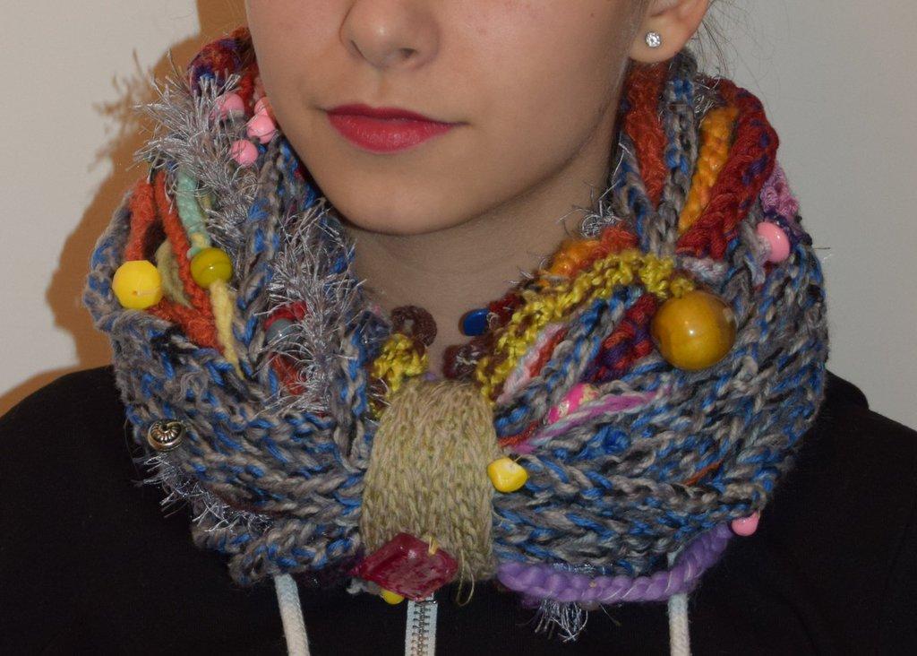 sciarpa collana colorata