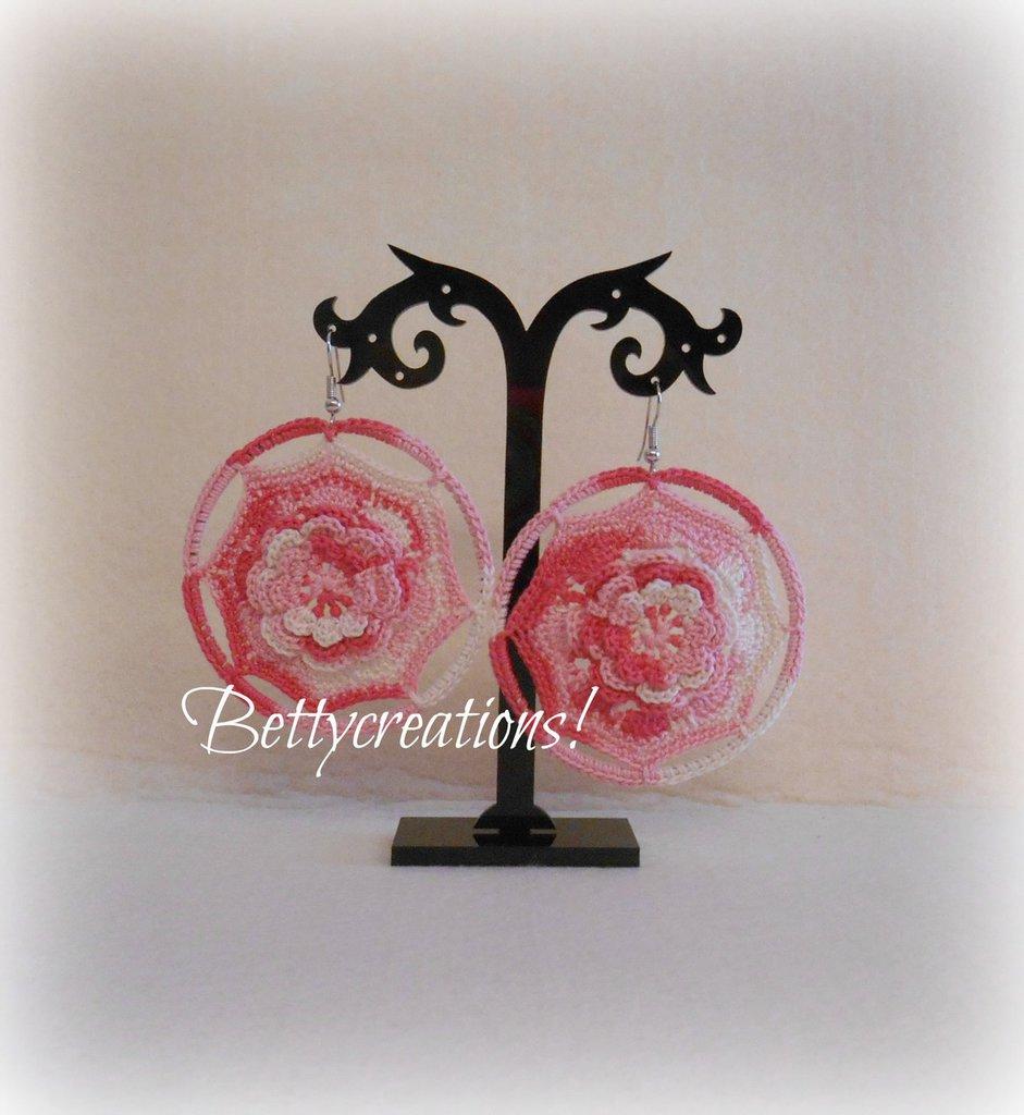 Orecchini Cerchio Uncinetto con rosa
