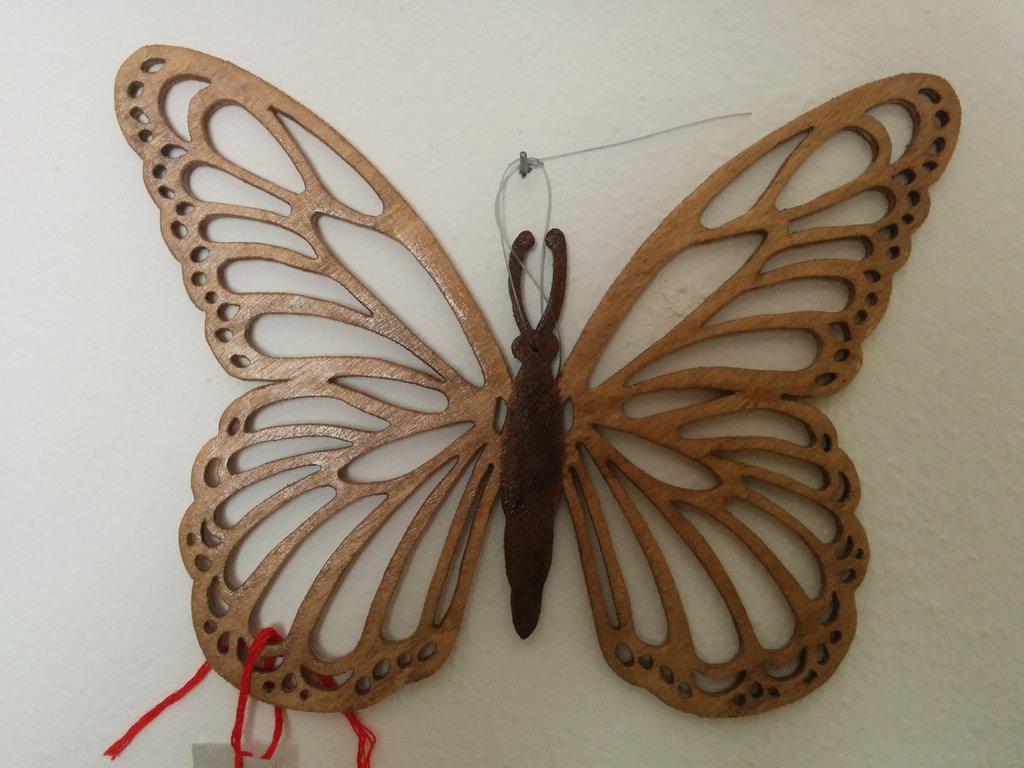 Farfalla (tipo 1) da muro o da appendere, tecnica del traforo